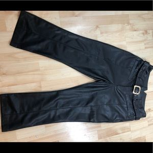Pants faux leather cropped black